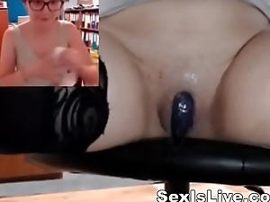 Nerd girl with naked wett pussy in library
