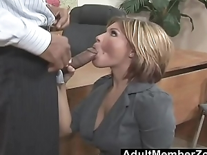 AdultMemberZone - She needs to spread very wide for a giant dick