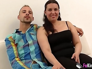 He brings us a milf from work to fuck her for the cameras